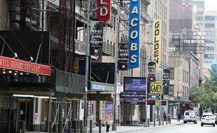 Broadway, à New York, et ses théâtres fermés