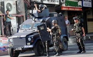 Vingt-huit soldats turcs ont été blessés dans la nuit de jeudi à vendredi dans le nord-est de la Turquie lors d'une attaque de rebelles kurdes contre un gazoduc reliant l'Iran à la Turquie, qui a conduit à l'interruption des livraisons de gaz iranien, ont rapporté vendredi les médias.