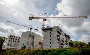 Les mises en chantier de logements neufs en France ont chuté de 10,3% sur l'année 2014, soit leur plus bas niveau depuis l'année 1997