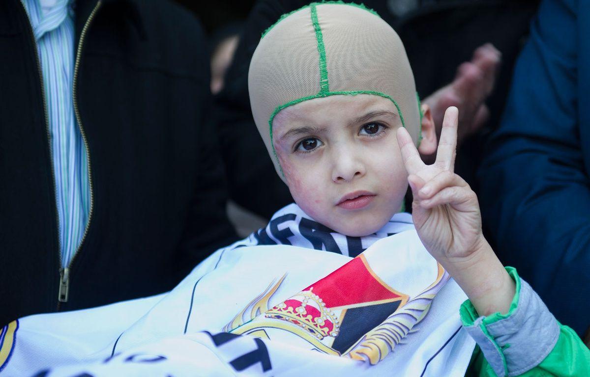 Ahmed Dawabcheh, le garçon palestinien rescapé d'une attaque d'extrémistes israéliens le 16 mars 2016. – CURTO DE LA TORRE / AFP