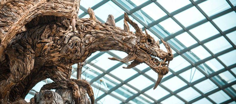 Sculpture d'un dragon. Illustration.