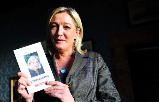 Marine Le Pen à Rome, en Italie, pour la présentation de son livre «A contre-flots» («Controcorrente» en italien), le 22 octobre 2011.