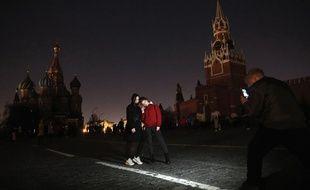 La place Rouge, à Moscou, dans la pénombre.