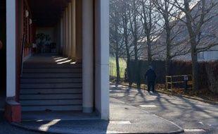 Entrée de la maison de retraite du Césalet, à Jacob-Bellecombette près de Chambéry, le 12 décembre 2013