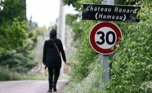 Entrée du hameau de Château Renard, à 500m de la propriété de Colette Deromme (hameau Saint Jaume), où aurait vécu Xavier Dupont de Ligonnès entre 1992 et 1994.