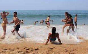 Illustration d'une plage à Biarritz.(AP Photo/Bob Edme)/BOB103/423318248382/1506301704
