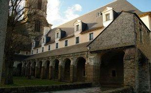 Une sans-abri âgée de 46 ans, qui avait trouvé refuge sous les arcades jouxtant l'église Notre-Dame en Saint-Melaine à Rennes, a été retrouvée morte le 17 décembre 2010.