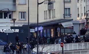 Les forces de police pendant l'intervention Porte de Vincennes