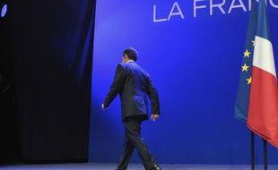 """La défaite de Nicolas Sarkozy dimanche ouvre une période de fortes turbulences à l'UMP, sur la ligne politique comme sur le leadership, même si les ténors du parti espèrent préserver une certaine unité au moins jusqu'au """"troisième tour"""" des législatives, en juin."""