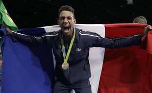 Tony Yoka et sa médaille d'or de champion olympique de boxe