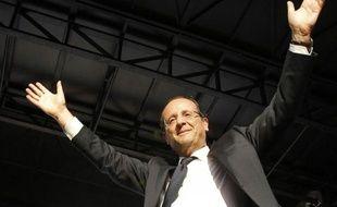 """François Hollande a lancé jeudi soir lors de son dernier grand meeting de campagne à Toulouse, face à une place du Capitole noire de monde, à J-3 du second tour de la présidentielle: """"La victoire, je la sens venir"""", tout en étant adoubé par Lionel Jospin, ex Premier ministre"""