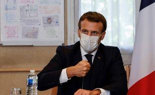 Emmanuel Macron a affirmé que les mesures de restrictions actuelles pourraient être encore renforcées