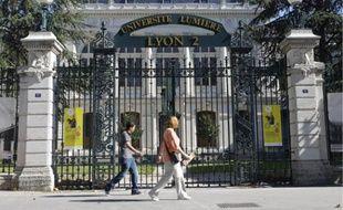 Les étudiants avaient été recalés de Lyon-2, Lyon-3 et Aix-en-Provence, sans justification.