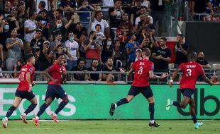 Xeka ouvre le score pour le LOSC contre le PSG au Bloomfield Stadium in Tel Aviv, Israel,le 1er août 2021. (Photo by EMMANUEL DUNAND / AFP)