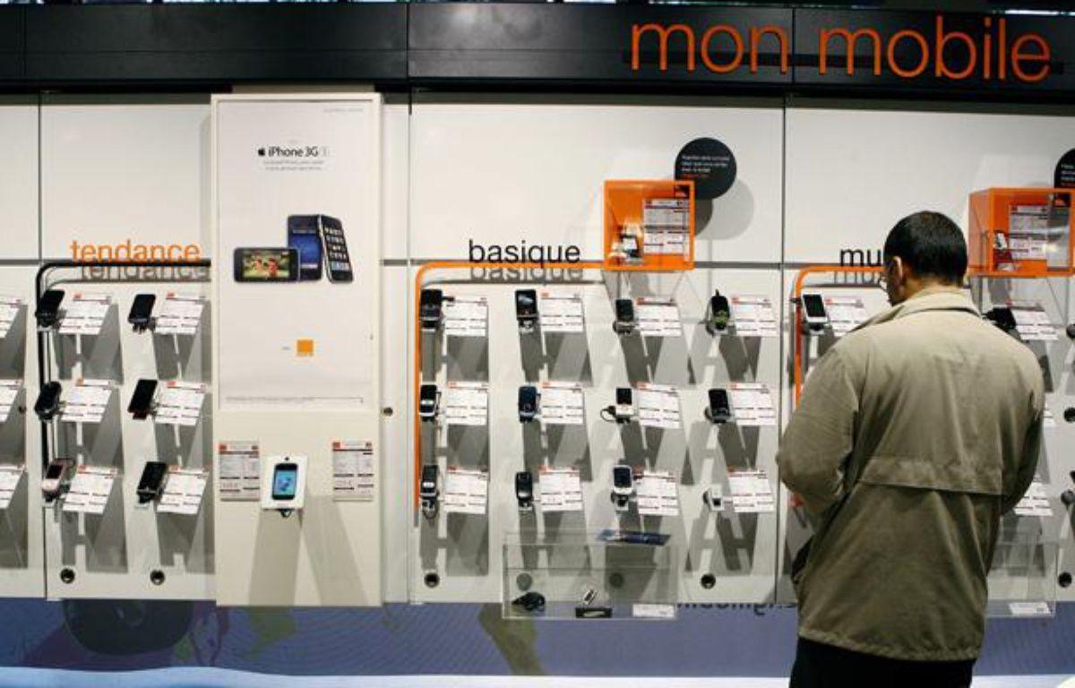 Près de 800.000 Français ont abandonné leur carte prépayée entre janvier et mars 2012 selon l'Arcep. – MEIGNEUX/SIPA