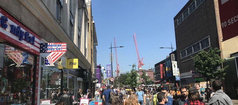 A Camden Town à midi, alors que la cérémonie battait son plein, tout était on ne peut plus normal.