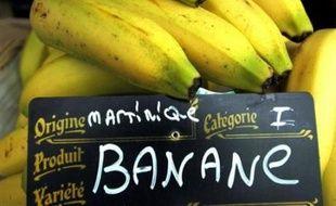 La banane de Guadeloupe et Martinique est de retour en France, huit mois après le passage du cyclone Dean qui avait décimé les plantations des Antilles françaises, ont annoncé mardi les producteurs.