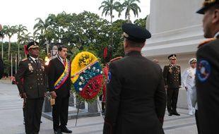 Nicolas Maduro, au centre de la photo, le 24 juin 2019 à Carabobo.