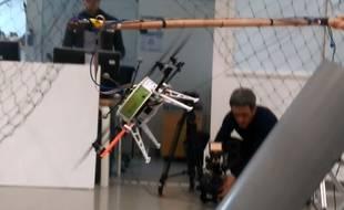 Les prototypes de robots aériens sont testés au LAAS-CNRS de Toulouse.