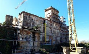 Le château de La Salvetat-Saint-Gilles, près de Toulouse, en plein chantier.