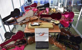 Une vingtaine de guitares ont été retrouvées par la police à Nantes