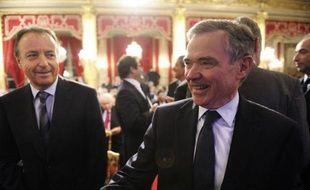 """Le président de l'Assemblée nationale Bernard Accoyer (UMP) a provoqué mercredi une vague d'indignation chez les socialistes en déclarant que les conséquences économiques et sociales d'un rendez-vous """"raté"""" en 2012 seraient comparables """"à celles provoquées par une guerre""""."""