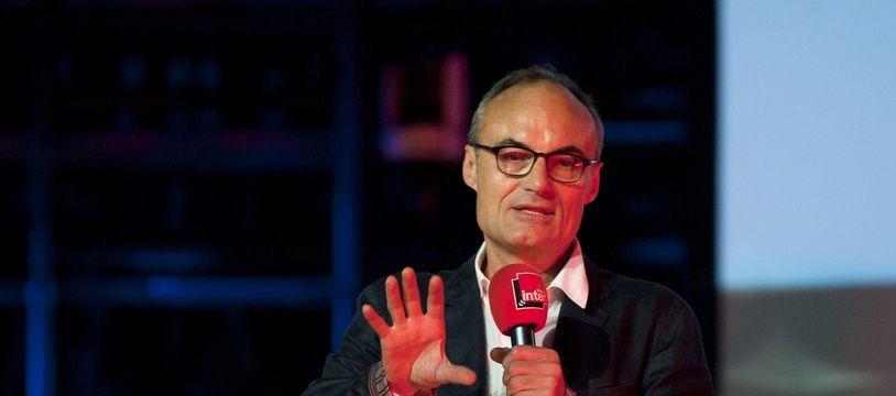 Philippe Val, lors d'une conférence de presse de France Inter, en août 2013.