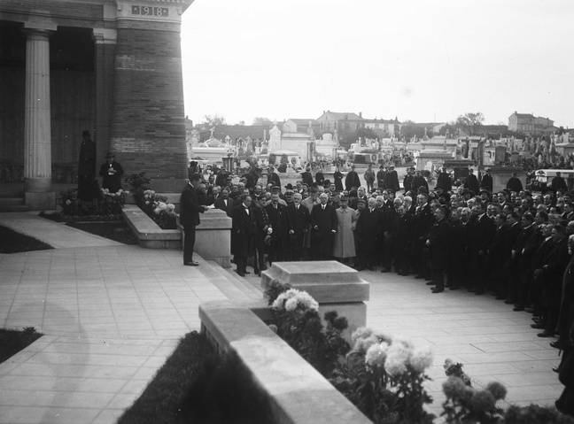 Le Monument aux Enfants de Toulouse morts pour la France a été inauguré le 11 novembre 1926 au cimetière de Terre-Cabade.