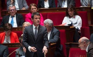Le Premier ministre Manuel Valls dans l'hémicycle de l'Assemblée nationale, le 9 juin 2015.