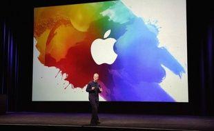 Apple, l'une des entreprises les plus riches au monde, a annoncé lundi son intention de verser des dividendes à ses actionnaires pour la première fois depuis 1995, renouant avec une pratique récusée par son fondateur, Steve Jobs, décédé il y a cinq mois.