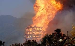 La « Lingguan Mansion », plus haute pagode bouddhiste d'Asie, a été détruite en à peine une heure.