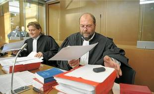 Les avocats de Barresi, Pierre Bruno (à gauche) et Eric Dupont-Moretti , hier à Colmar.