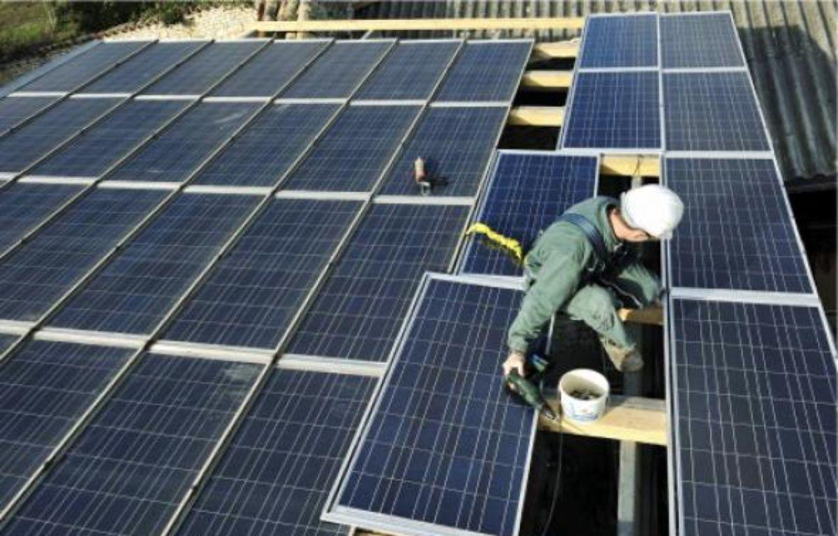 EDF mise sur lesénergies renouvelables au niveau local comme le photovoltaïque. –  NOSSANT / SIPA