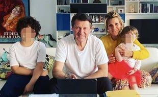 Le maire de Nice Christian Estrosi a publié une photo de lui en compagnie de sa femme, Laura Tenoudji-Estrosi, et de leurs enfants alors qu'ils se trouvent confinés à leur domicile