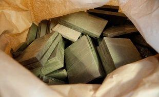 Recherchés pour le cambriolage d'un magasin de meubles, deux Lorrains ont été interpellés à Forbach pour 20 kilos de cannabis. (Illustration)