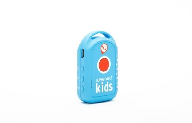 Cette balise GPS permet de localiser son enfant, mais aussi qu'il passe un appel de détresse.