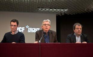 Pierre Laurent (au centre), numéro 1 du PCF, le 2 mars 2015 à Paris.