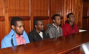 """Quatre hommes sont jugés depuis mercredi au Kenya pour leur présumé """"soutien à un groupe terroriste"""" islamiste qui avait attaqué le centre commercial Westgate de Nairobi fin septembre, le pire attentat dans le pays en 15 ans."""