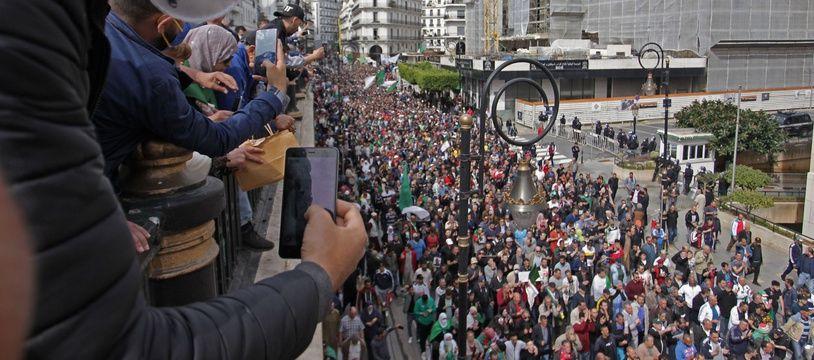Manifestation antirégime à Alger, le 13 mars 2020.