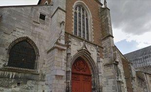 L'église Saint-Pierre du Matroi d'Orléans a été victime de dégradations.