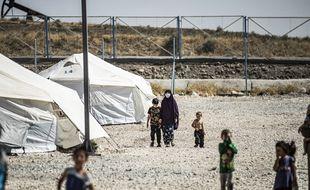 Des enfants au camp de Roj, où sont retenus les enfants français des djihadistes, en septembre 2020.
