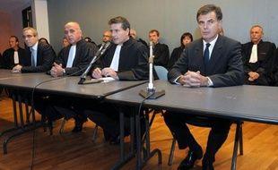 Un des trois hommes interpellés mercredi dans le cadre de l'enquête sur le meurtre de l'avocate tuée fin novembre à Marseille, a été déféré devant la justice vendredi matin, a annoncé le procureur de la République de Marseille, Jacques Dallest.