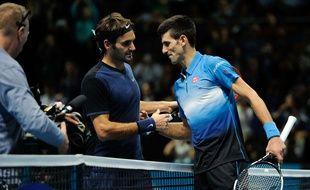 Roger Federer a dominé Novak Djokovic au Masters le 17 novembre 2015.