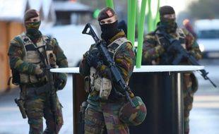 Des patrouilles de soldats belges, le 23 novembre 2013 à Bruxelles