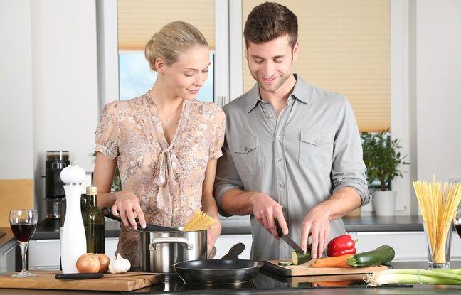 Pour manger plus sain, mieux vaut cuisiner des produits bruts plutôt que consommer des produits transformés.