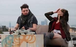 Kev Adams et Sarah McDaniel dans la série «SuperHigh».