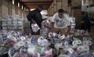 Distribution de nourriture dans les favelas
