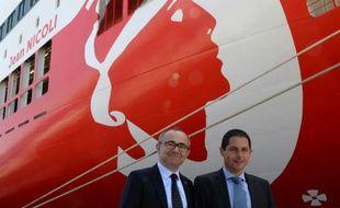Le directeur général de Corsica Linea,Pierre-Antoine Villanova (g), et son président Pascal Trojani, à Marseille le 3 mai 2016