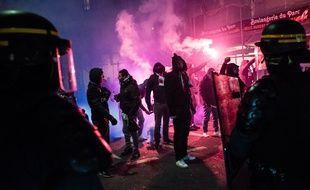 Illustration de supporters parisiens à l'occasion du match de Coupe de France entre le PSG et l'OM.