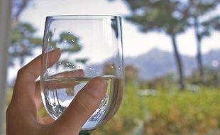 Pour consommer une eau qui possède tous ses nutriments et dans laquelle aucun germe ne s'est développé, il faut respecter certaines conditions de conservation.